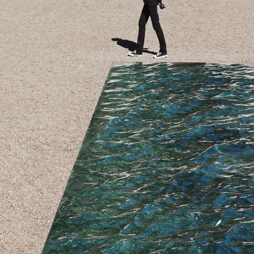 liquid-marble-sculpture-mathieu-lehanneur-petite-loire-installation-international-garden-festival-domaine-de-chaumont-sur-loire-centre-darts-et-de-nature-flowing-green-sea_dezeen_936_0
