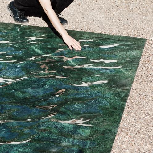 liquid-marble-sculpture-mathieu-lehanneur-petite-loire-installation-international-garden-festival-domaine-de-chaumont-sur-loire-centre-darts-et-de-nature-flowing-green-sea_dezeen_936_1
