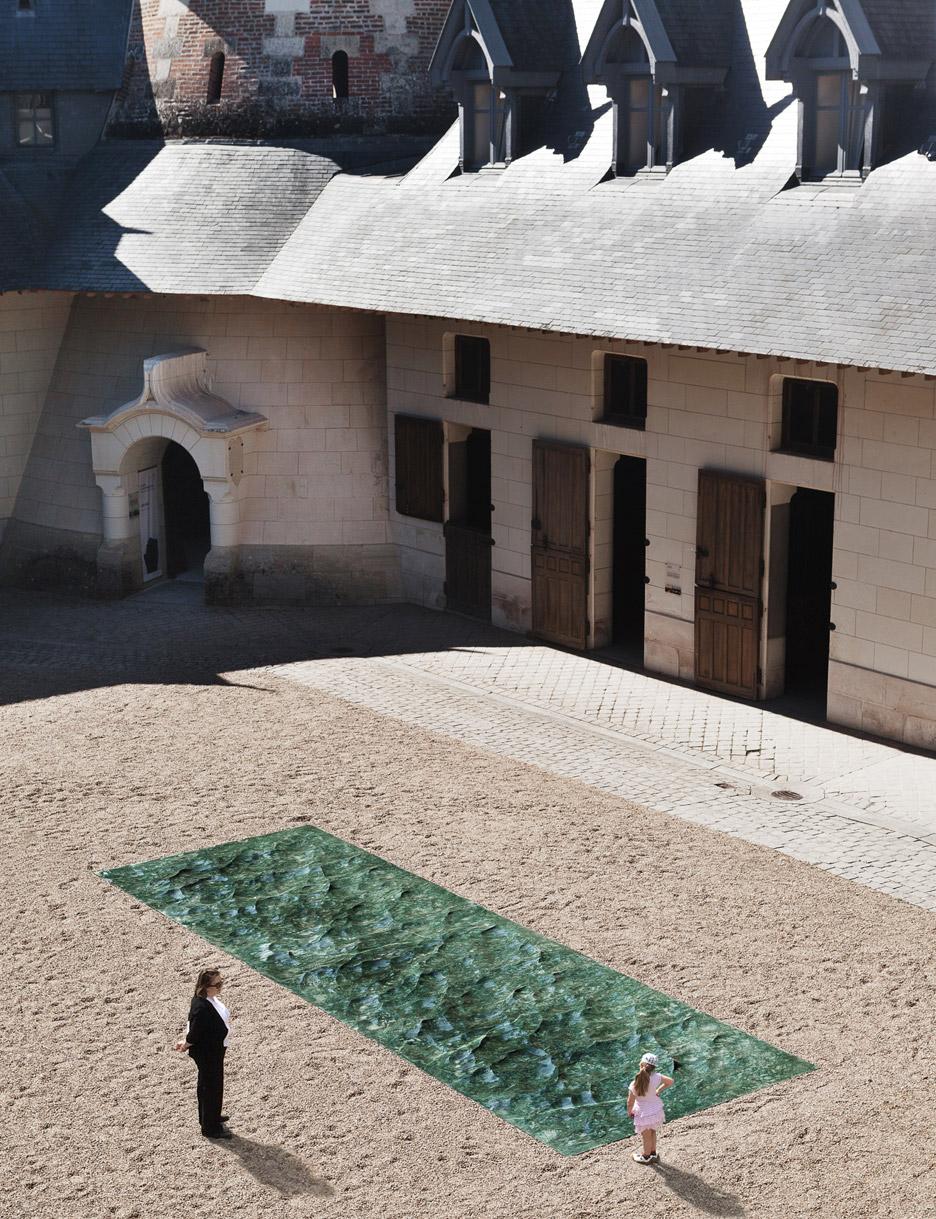 liquid-marble-sculpture-mathieu-lehanneur-petite-loire-installation-international-garden-festival-domaine-de-chaumont-sur-loire-centre-darts-et-de-nature-flowing-green-sea_dezeen_936_2