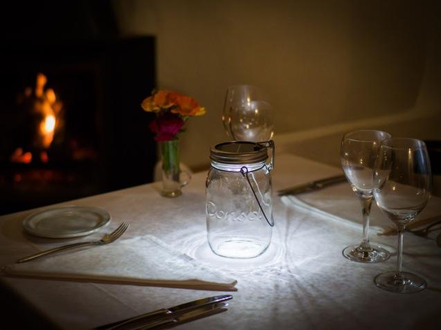 16 Dieses Restaurant nutzt das Sonnenglas als romantische Tischbeleuchtung